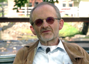 Läkaren Geir Flatabø tror psykiska sjukdomar kan orsakas av bakterier- Foto: Arnt-Olav Enger