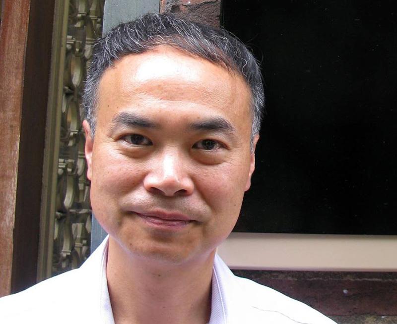 Ian Wong varnar för att mediciner mot sur mage kan ge magcancer - Foto: UCL Pharmacy