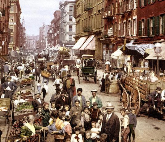 Mulberry Street, New York, 1900 - Foto: Detroit Photographer Co