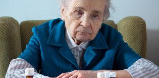 Äldrevård och övermedicinering - Foto: AdobeStock.com