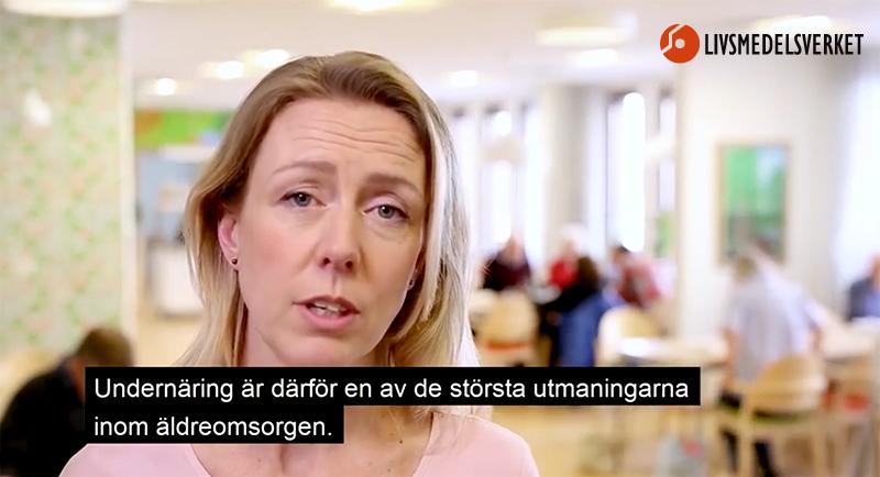 """Bild från Livsmedelsverkets film: """"Måltider i ädreomsorgen"""", 2018. Montage: TV Helse"""