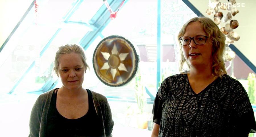 Anne Karlsen och Kristin Omnes. Foto: Arnt-Olav Enger. TV-Helse.no