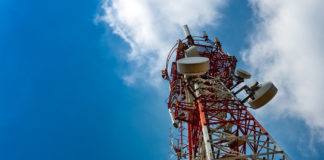 5G cell tower. Foto: Crestock.1400px