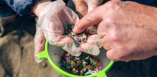 Mikroplast och plastskräp. Foto: AdobeStock.com