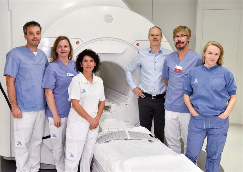 """Laserkirurgi - """"Karolinska Universitetssjukhuset först i Norden med att använda laserbehandling av hjärntumör"""". Pressfoto: KI, 2019"""