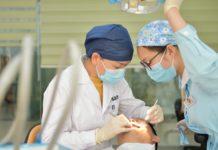 Bild av tandläkare. Foto: Hike Shaw Licens: Unsplash.com (free uses)