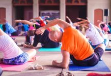 Bild: Meditation och yoga. Foto: Anupam Mahapatra. Licens: Unsplash.com