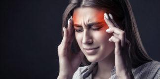 Huvudvärk. AdobeStock.com