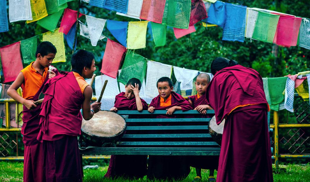 Unga munkar i Sikkim. Foto: Pratap Chhetri. Licens: Unsplash.com