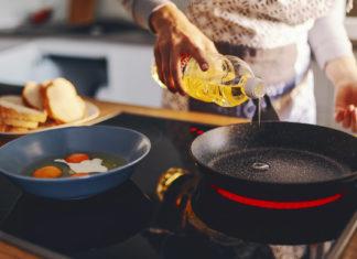 Säker matolja vid matlagning. Licens: AdobeStock